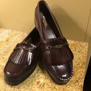 Vintage WeeJuns Women's Size 9 B. Never Worn!!